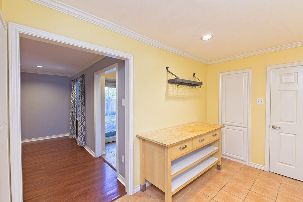 8635 Shagrock  Lane, Dallas, Texas 75238 - acquisto real estate best style realtor kim miller best real estate reviews dfw