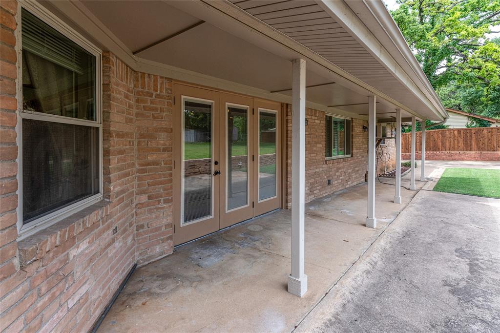 22 Shadowbrook  Lane, Hurst, Texas 76053 - acquisto real estate best listing photos hannah ewing mckinney real estate expert