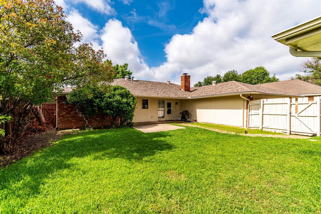 1949 Kentwood  Lane, Carrollton, Texas 75007 - acquisto real estate best listing photos hannah ewing mckinney real estate expert