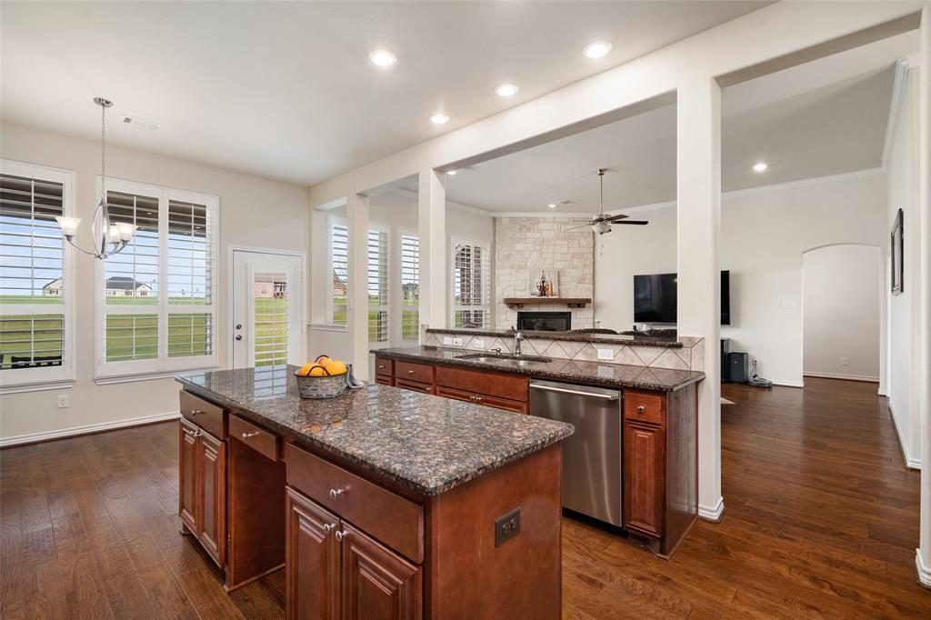 7061 Whispering Oaks  McKinney, Texas 75071 - acquisto real estate best highland park realtor amy gasperini fast real estate service