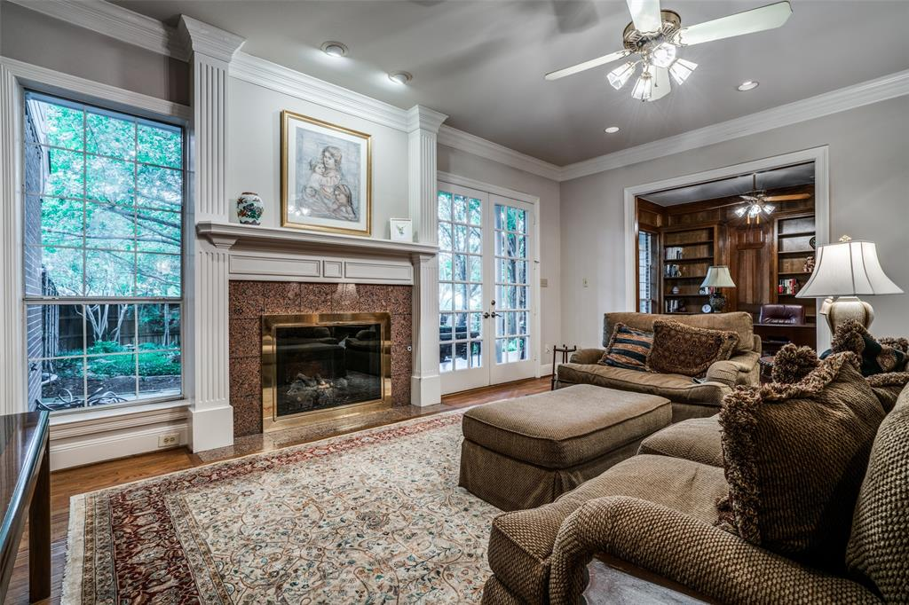 2209 Creekside  Circle, Irving, Texas 75063 - acquisto real estate best highland park realtor amy gasperini fast real estate service