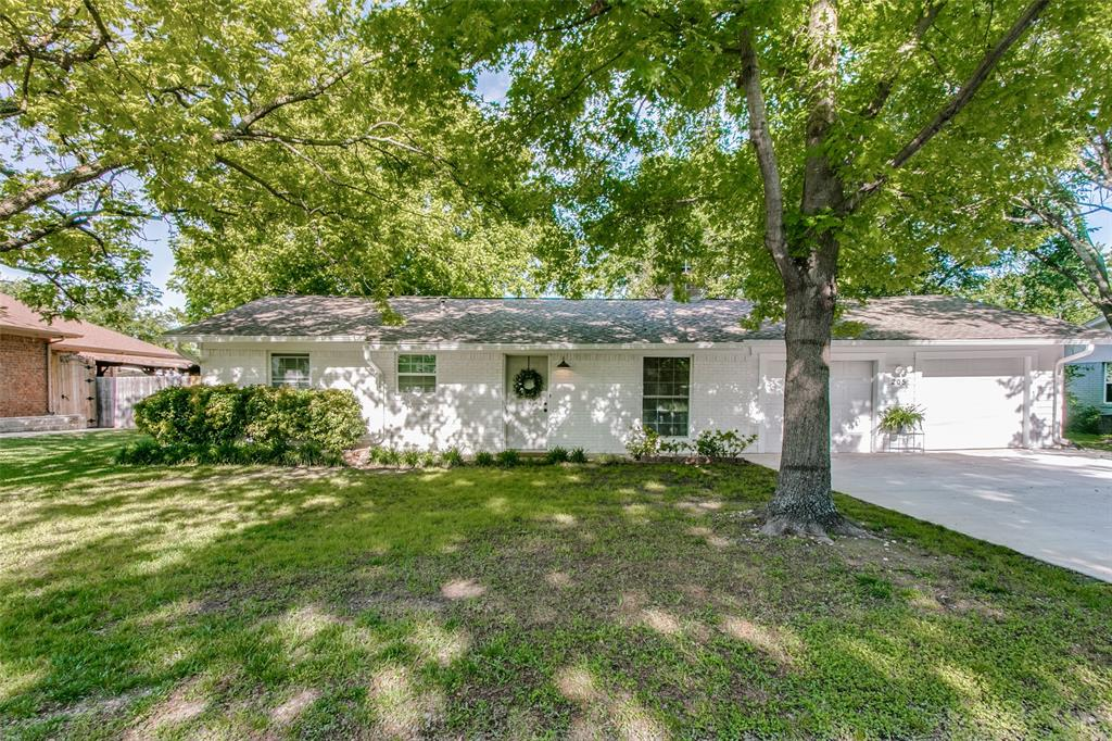 205 Redbud  Trail, Shady Shores, Texas 76208 - Acquisto Real Estate best plano realtor mike Shepherd home owners association expert