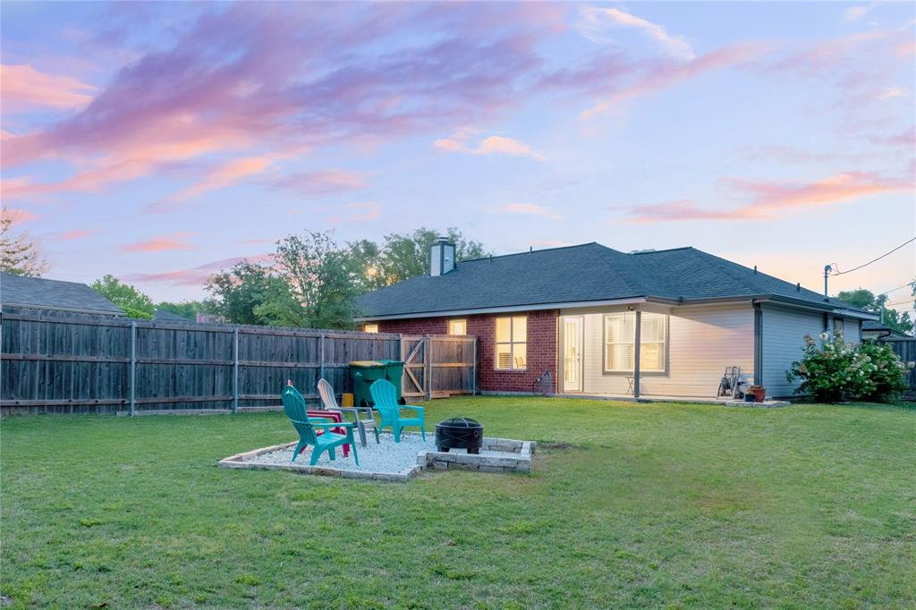 520 Majestic Park  Lane, Cedar Hill, Texas 75104 - acquisto real estate best frisco real estate broker in texas for high net worth buyers