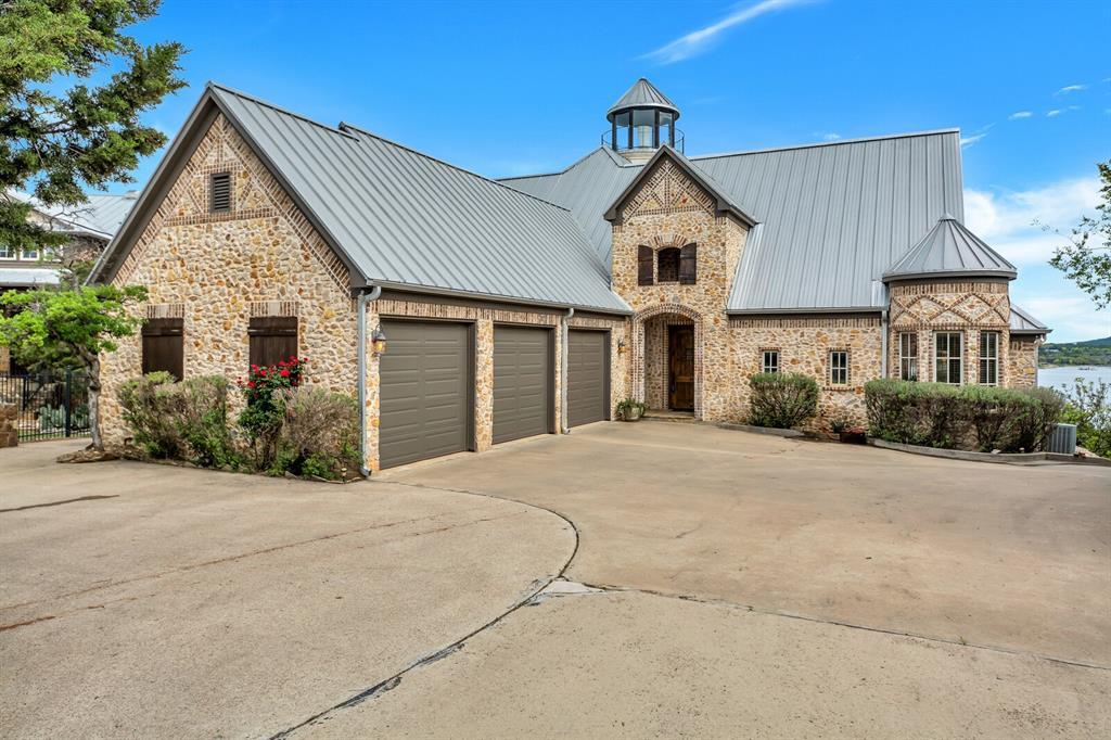 1056 Bluff Creek  Drive, Possum Kingdom Lake, Texas 76475 - acquisto real estate best the colony realtor linda miller the bridges real estate