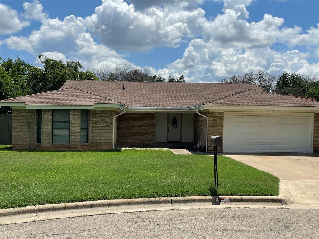#4 Dixie Ct  Brownwood, Texas 76801 - Acquisto Real Estate best frisco realtor Amy Gasperini 1031 exchange expert