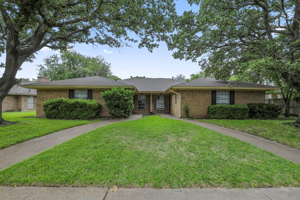 2716 Townbluff  Drive, Plano, Texas 75075 - Acquisto Real Estate best plano realtor mike Shepherd home owners association expert