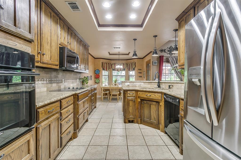 532 Forest Edge  Street, Burleson, Texas 76028 - acquisto real estate best frisco real estate broker in texas for high net worth buyers