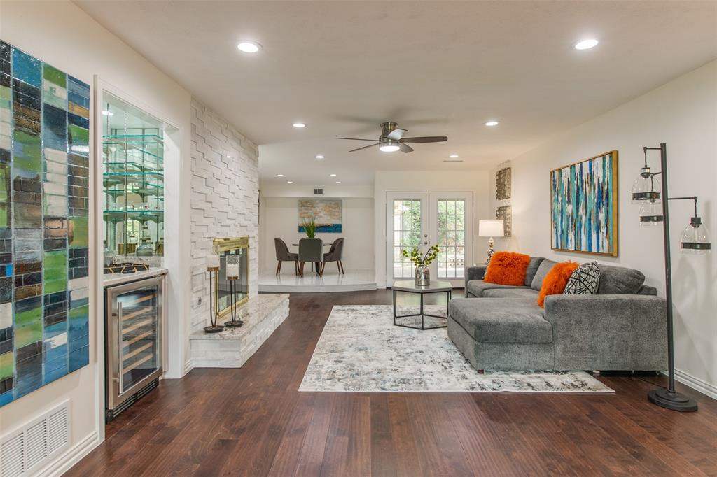 6339 Crestmont  Drive, Dallas, Texas 75214 - acquisto real estate best real estate company to work for