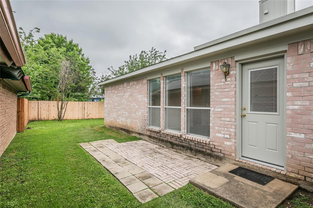 1605 Dorchester  Street, Fort Worth, Texas 76134 - acquisto real estate best listing photos hannah ewing mckinney real estate expert