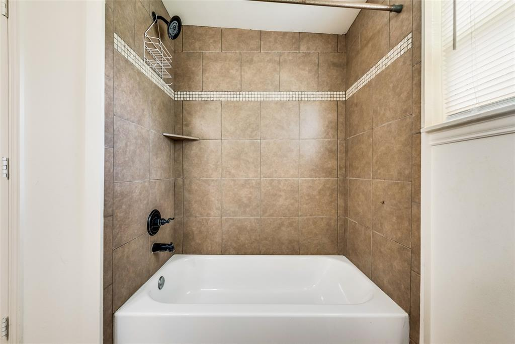 2522 High Crest  Avenue, Fort Worth, Texas 76111 - acquisto real estate best investor home specialist mike shepherd relocation expert