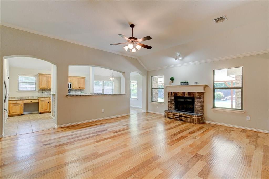 4407 Cluster Oak  Court, Granbury, Texas 76049 - acquisto real estate best luxury buyers agent in texas shana acquisto inheritance realtor