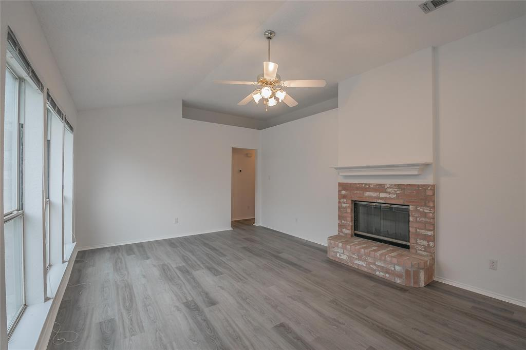 1605 Dorchester  Street, Fort Worth, Texas 76134 - Acquisto Real Estate best plano realtor mike Shepherd home owners association expert