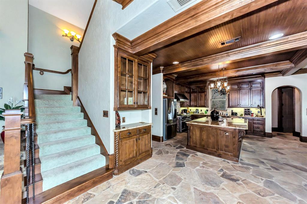 1056 Bluff Creek  Drive, Possum Kingdom Lake, Texas 76475 - acquisto real estate best celina realtor logan lawrence best dressed realtor