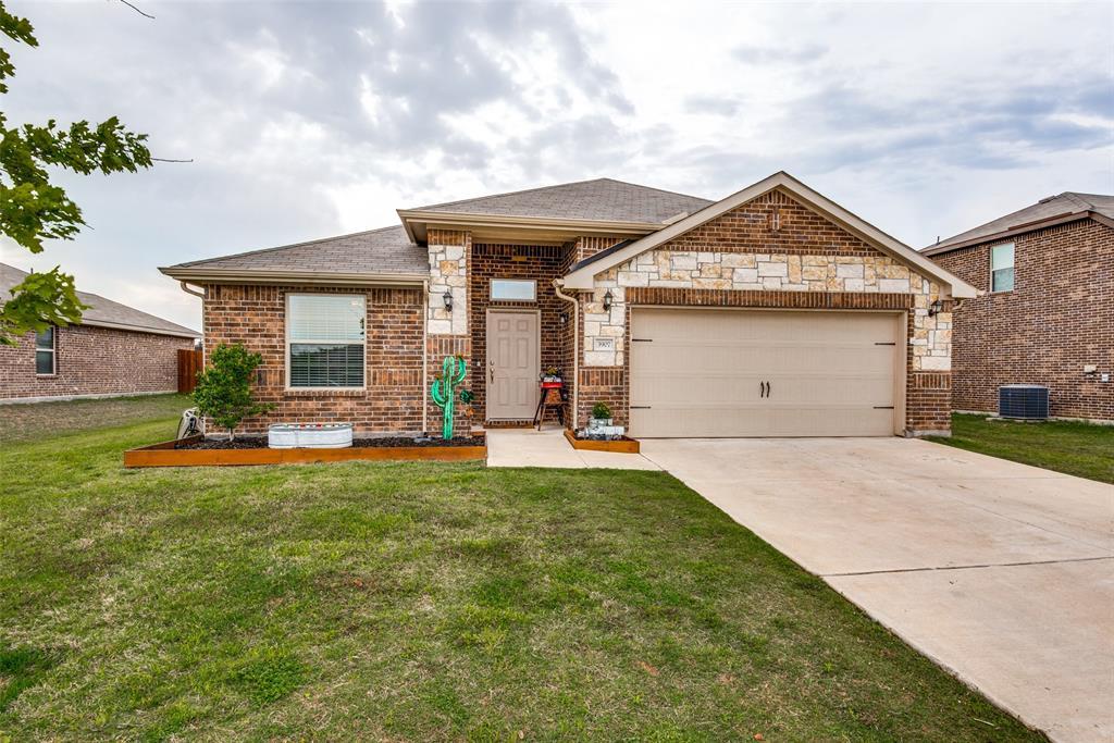 3907 Montecristo  Lane, Sanger, Texas 76266 - Acquisto Real Estate best plano realtor mike Shepherd home owners association expert