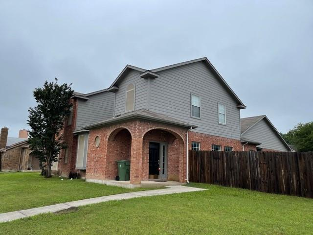 815 Valleybrooke  Drive, Arlington, Texas 76001 - Acquisto Real Estate best plano realtor mike Shepherd home owners association expert