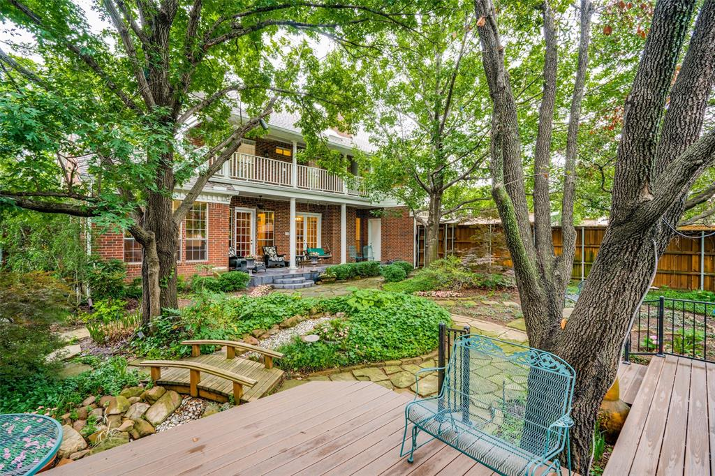 2209 Creekside  Circle, Irving, Texas 75063 - Acquisto Real Estate best plano realtor mike Shepherd home owners association expert