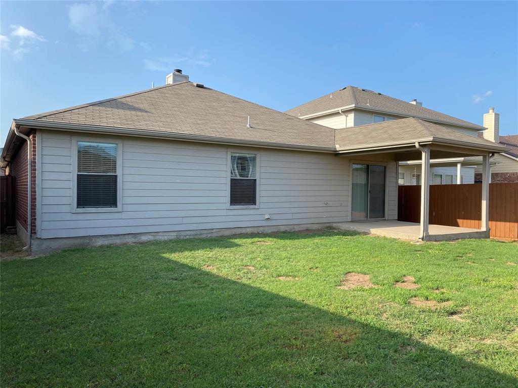 2033 Hanakoa Falls  Drive, Anna, Texas 75409 - acquisto real estate best plano real estate agent mike shepherd