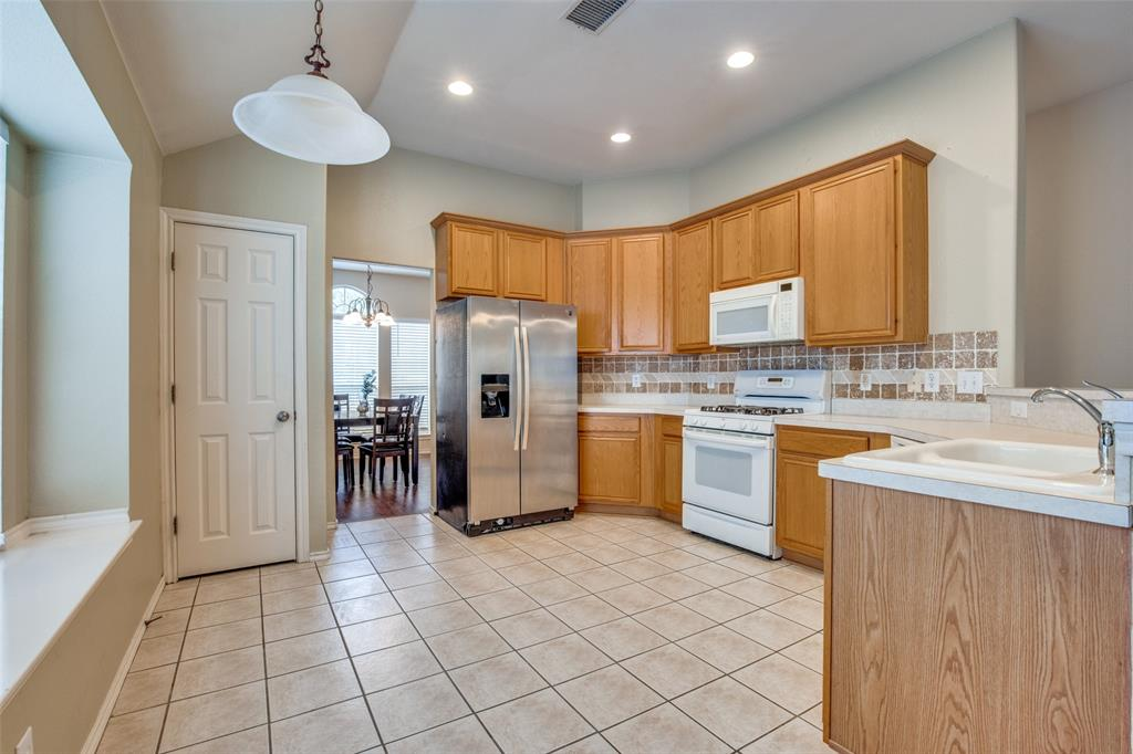 7932 Glenway  Drive, Dallas, Texas 75249 - acquisto real estate best flower mound realtor jody daley lake highalands agent of the year