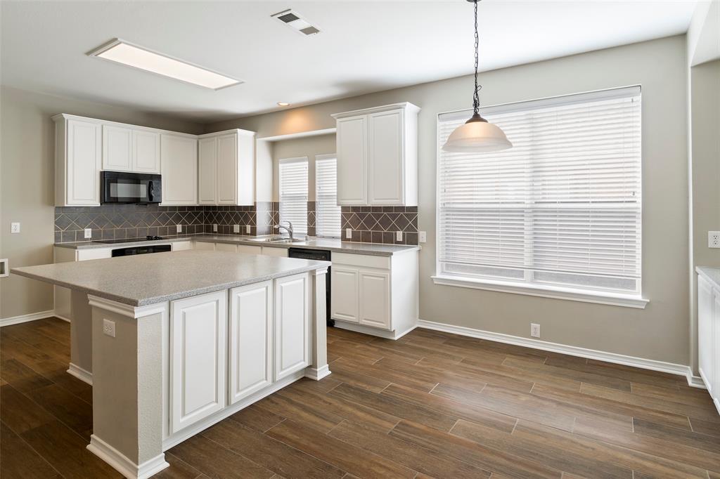 7561 Ravenhill  Drive, Frisco, Texas 75035 - acquisto real estate best real estate company in frisco texas real estate showings