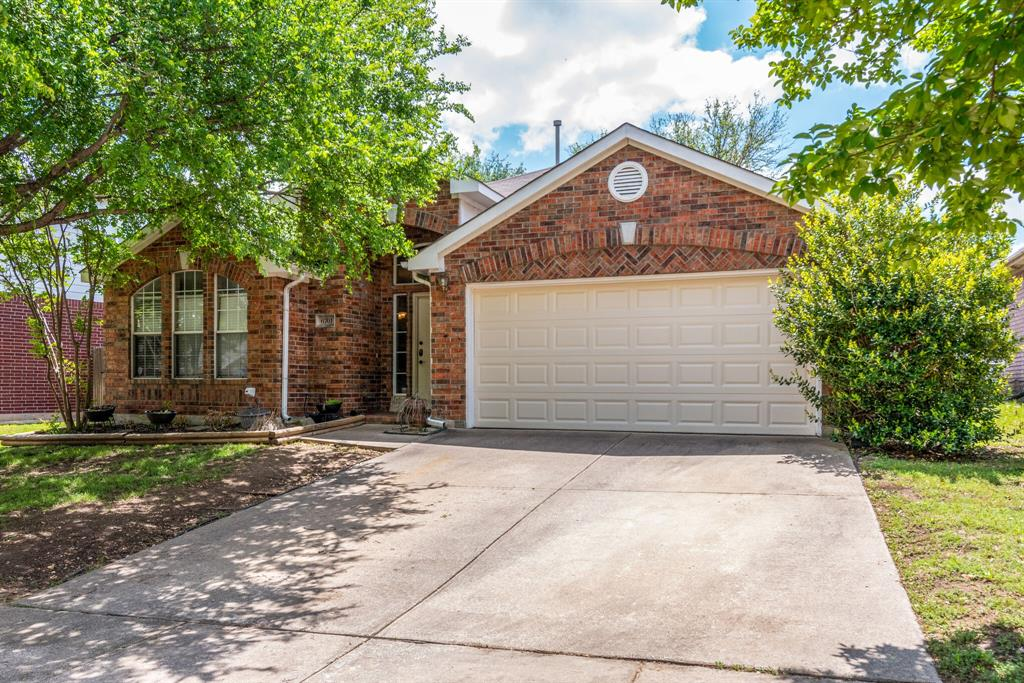 6701 Andress  Drive, Fort Worth, Texas 76132 - Acquisto Real Estate best plano realtor mike Shepherd home owners association expert