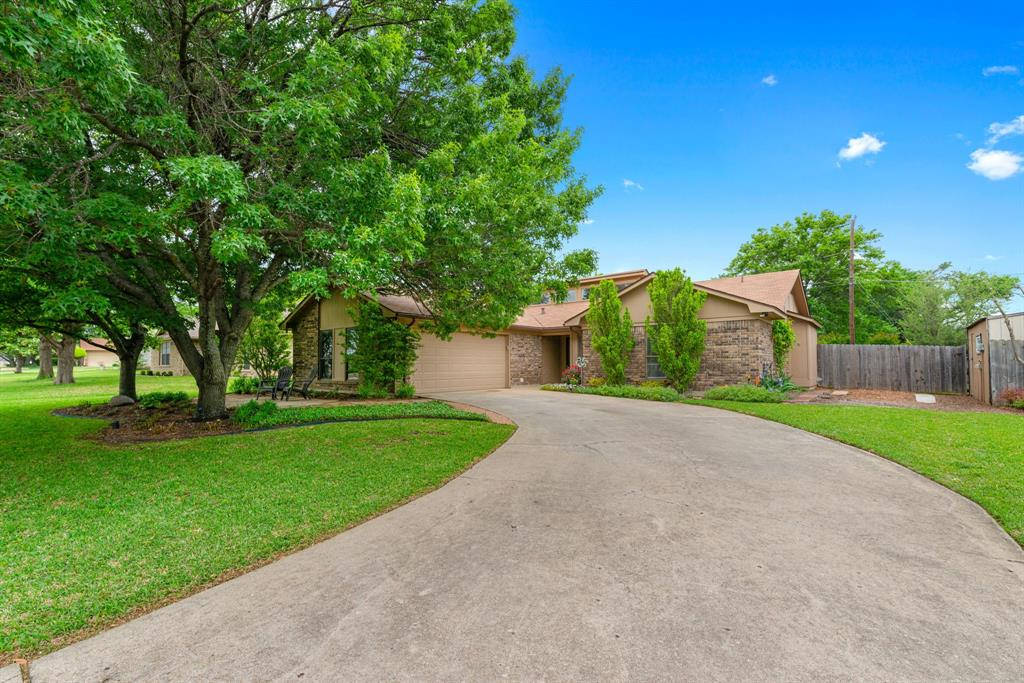 1319 Bryant  Street, Benbrook, Texas 76126 - Acquisto Real Estate best plano realtor mike Shepherd home owners association expert