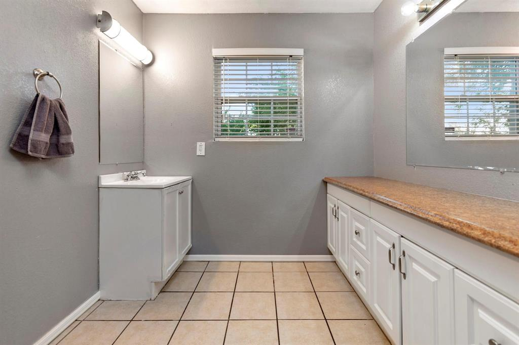 5701 Hanson  Drive, Watauga, Texas 76148 - acquisto real estate best photos for luxury listings amy gasperini quick sale real estate