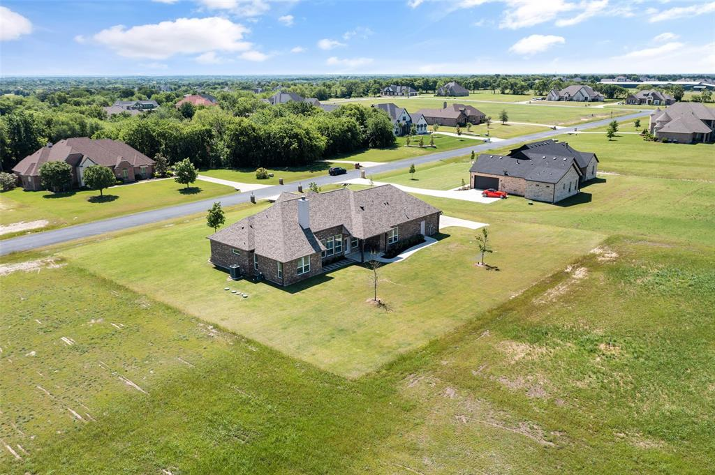 7061 Whispering Oaks  McKinney, Texas 75071 - acquisto real estate agent of the year mike shepherd