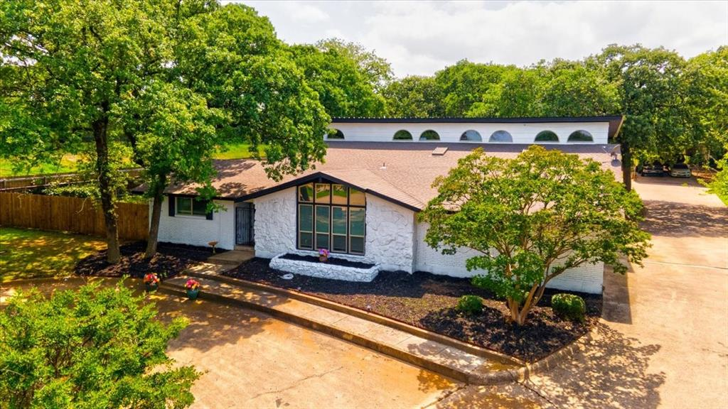 1112 Cooks  Lane, Fort Worth, Texas 76120 - Acquisto Real Estate best plano realtor mike Shepherd home owners association expert