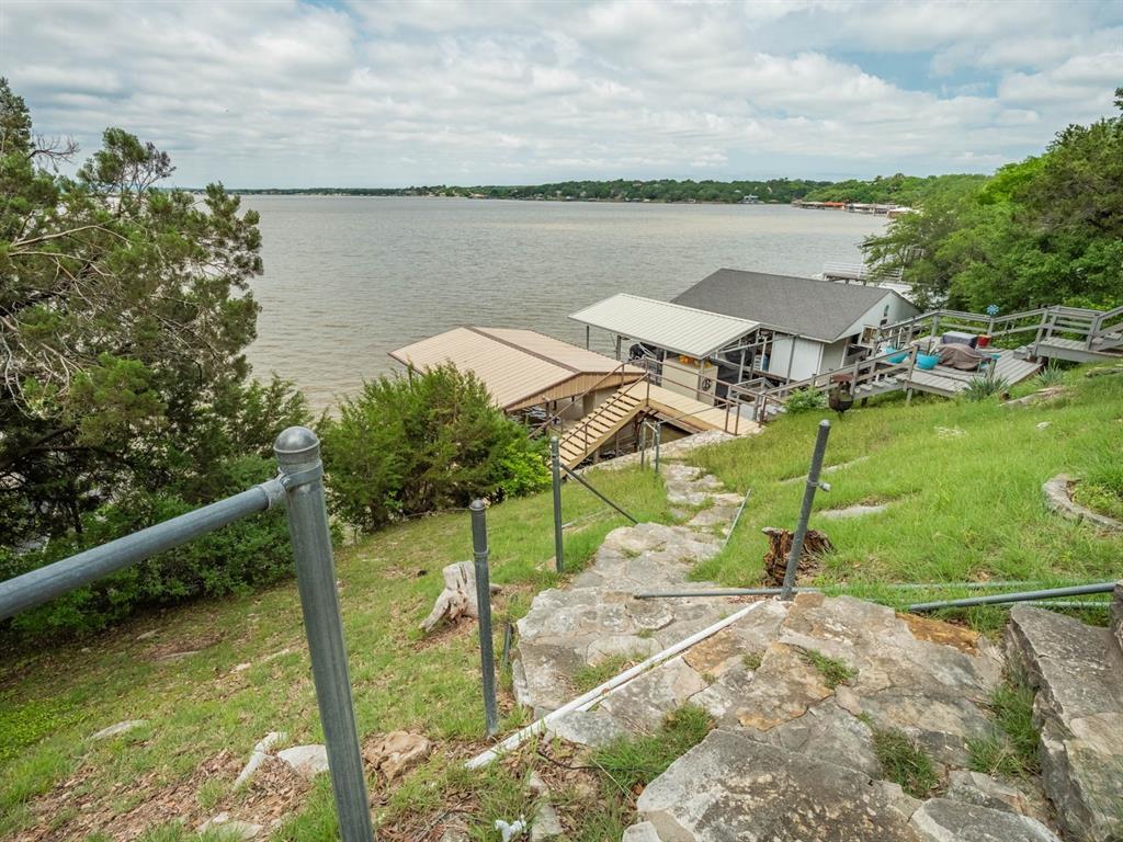 5615 Thunderbird  Court, De Cordova, Texas 76049 - acquisto real estate best negotiating realtor linda miller declutter realtor