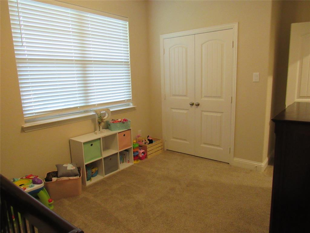 1438 Blue Bonnett  Boulevard, Gainesville, Texas 76240 - acquisto real estate best plano real estate agent mike shepherd