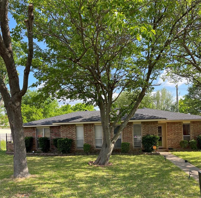 914 Live Oak  Drive, DeSoto, Texas 75115 - Acquisto Real Estate best plano realtor mike Shepherd home owners association expert