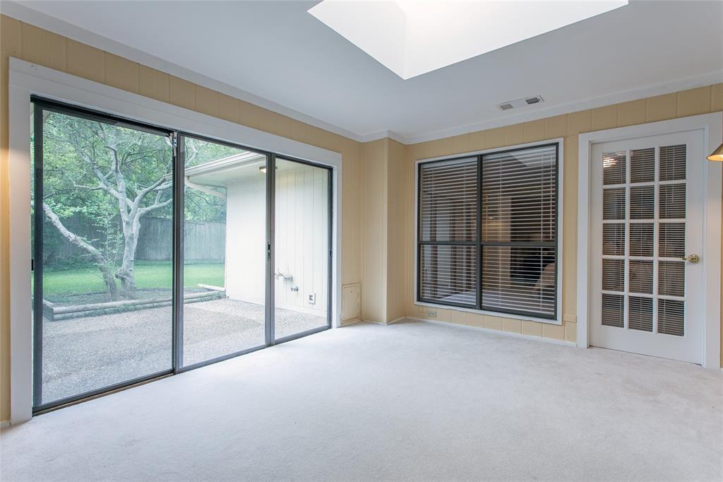 8046 Moss Meadows  Drive, Dallas, Texas 75231 - acquisto real estate best listing agent in the nation shana acquisto estate realtor