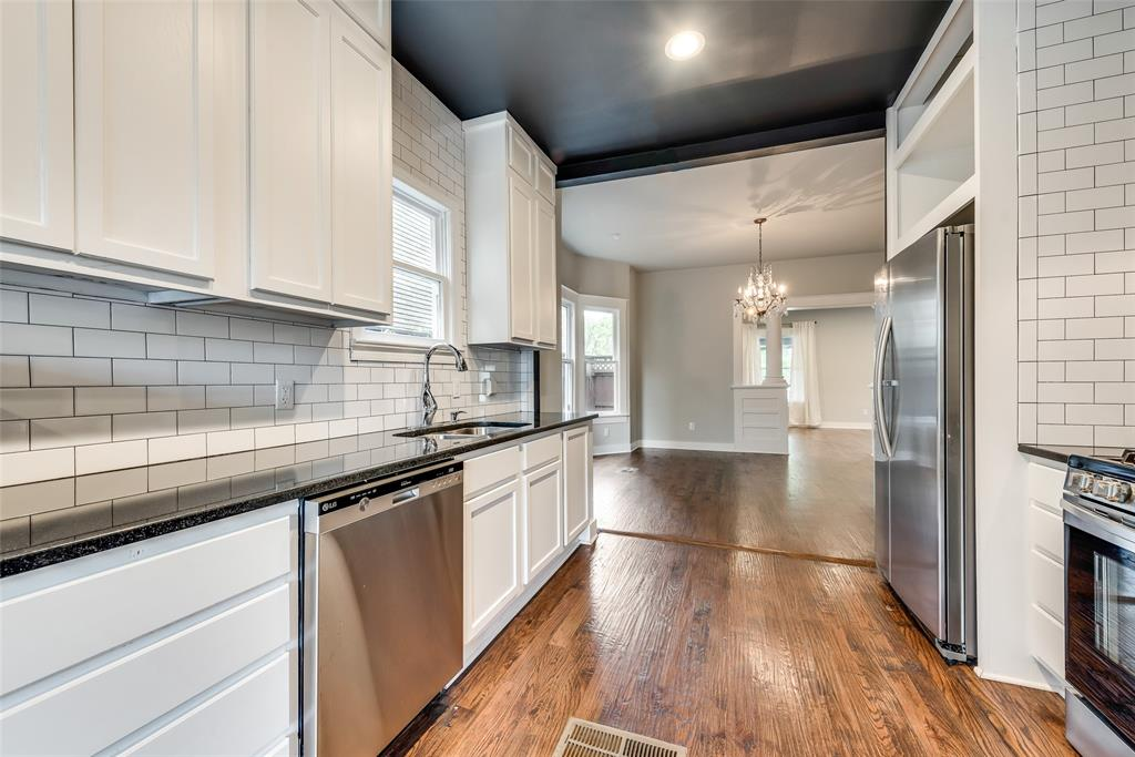 710 Bishop  Avenue, Dallas, Texas 75208 - acquisto real estate best new home sales realtor linda miller executor real estate