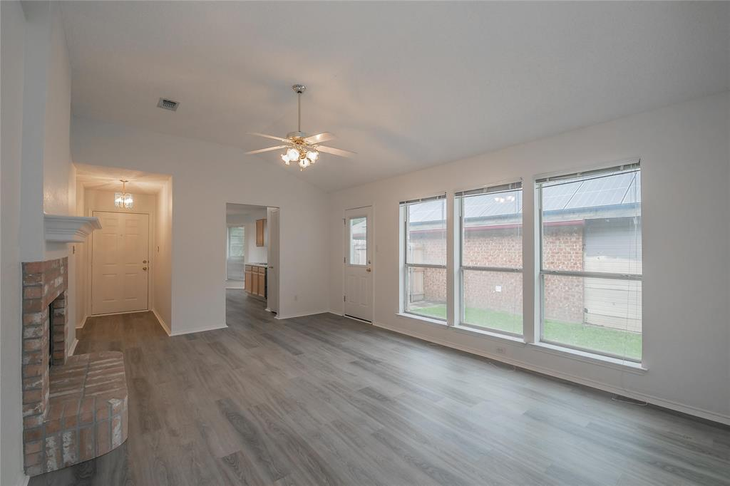 1605 Dorchester  Street, Fort Worth, Texas 76134 - acquisto real estate best flower mound realtor jody daley lake highalands agent of the year