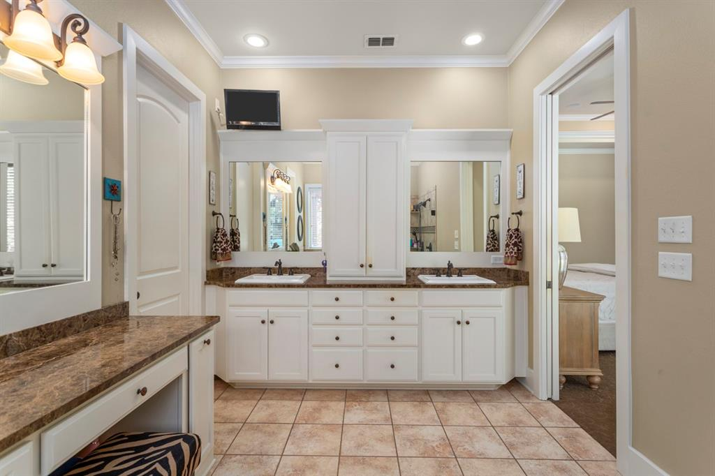 1910 Stonegate  Place, Tyler, Texas 75703 - acquisto real estate best listing photos hannah ewing mckinney real estate expert