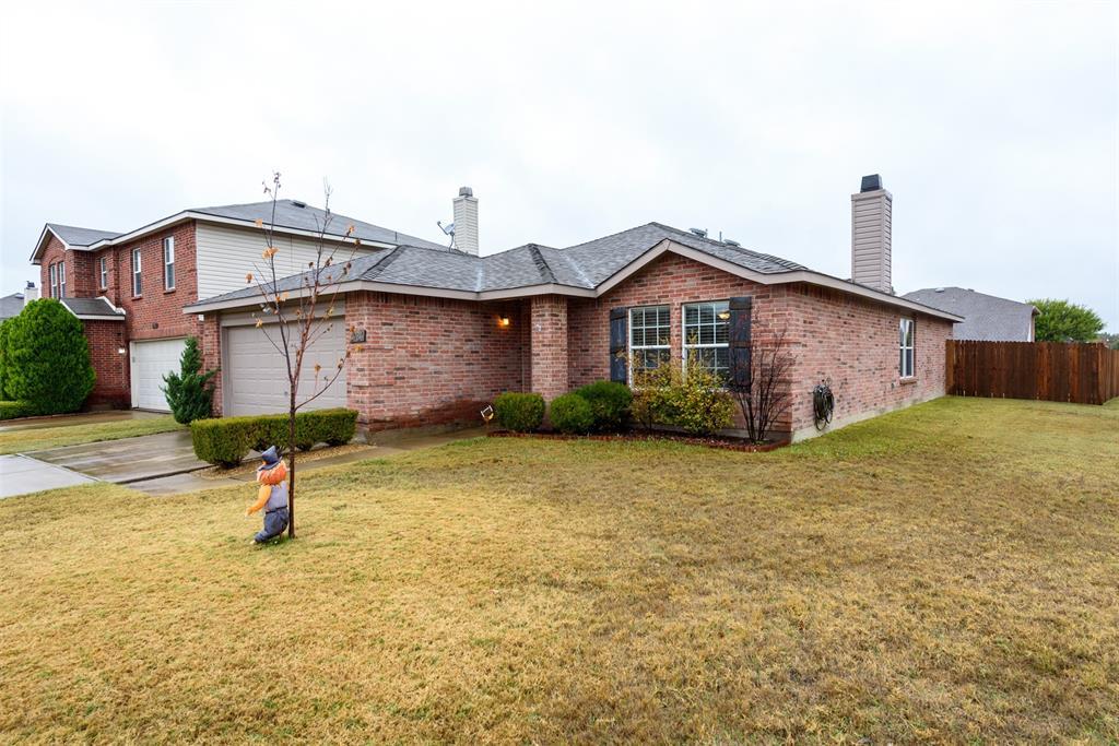 2921 Desert  Drive, Denton, Texas 76210 - acquisto real estate best allen realtor kim miller hunters creek expert