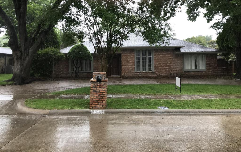 2209 Vickers  Drive, Plano, Texas 75075 - Acquisto Real Estate best plano realtor mike Shepherd home owners association expert