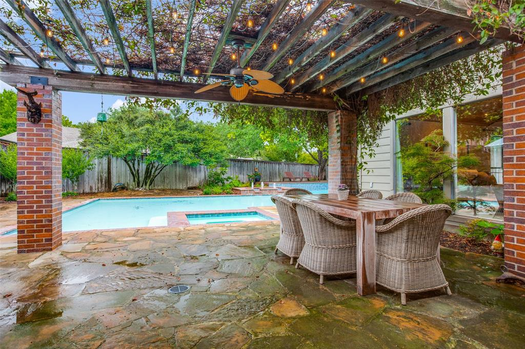 9535 Robin Meadow  Dallas, Texas 75243 - acquisto real estate best negotiating realtor linda miller declutter realtor
