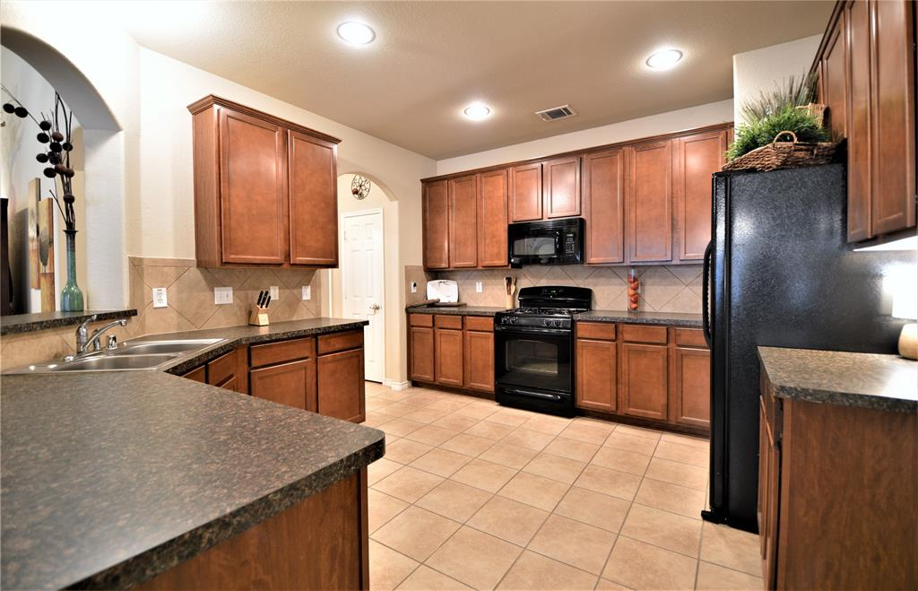 917 Appalachian  Lane, Savannah, Texas 76227 - acquisto real estate best real estate company in frisco texas real estate showings