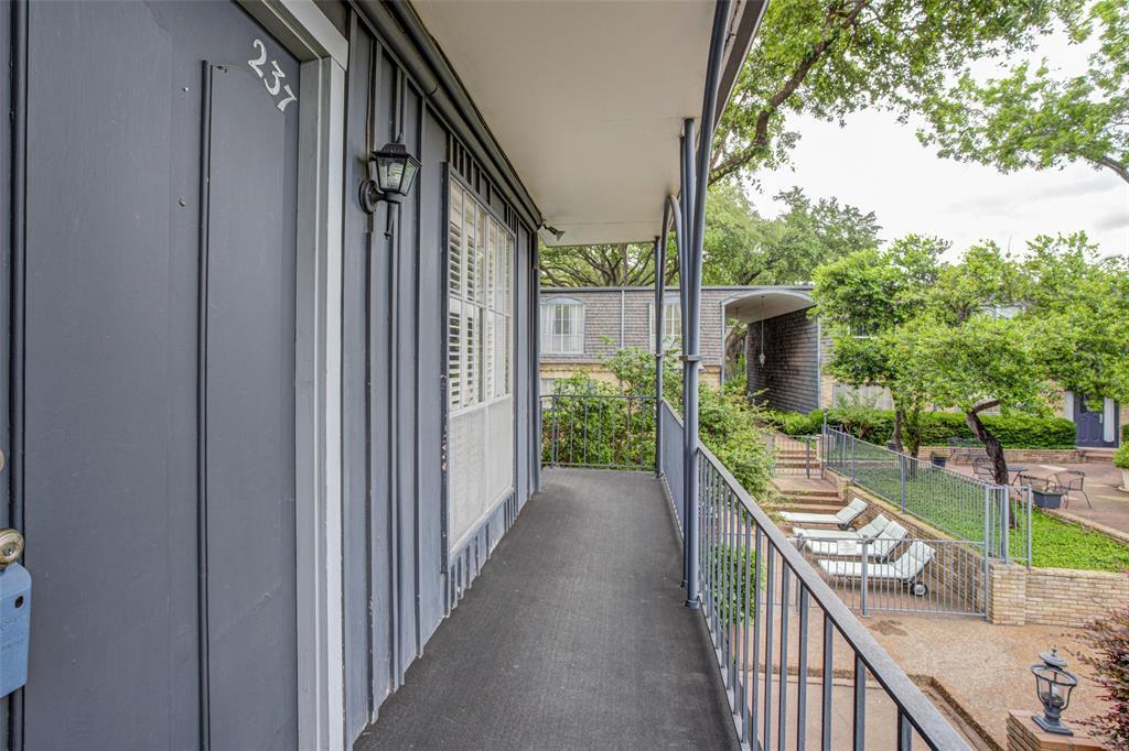 5018 Les Chateaux  Drive, Dallas, Texas 75235 - Acquisto Real Estate best mckinney realtor hannah ewing stonebridge ranch expert
