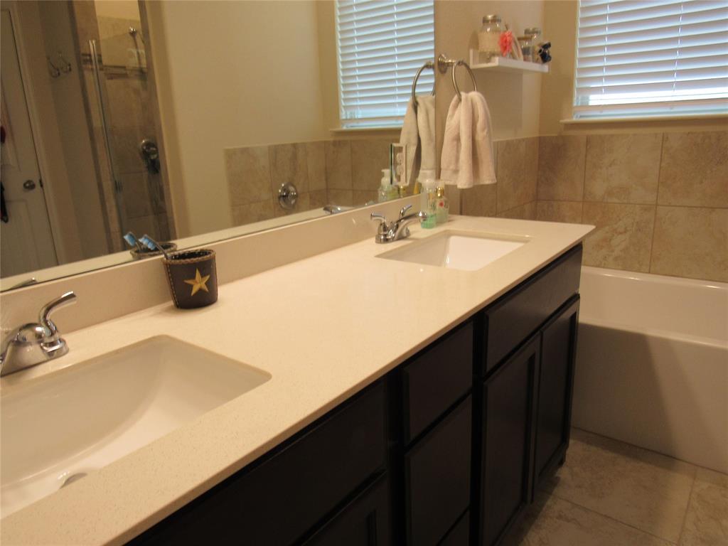 1438 Blue Bonnett  Boulevard, Gainesville, Texas 76240 - acquisto real estate best style realtor kim miller best real estate reviews dfw