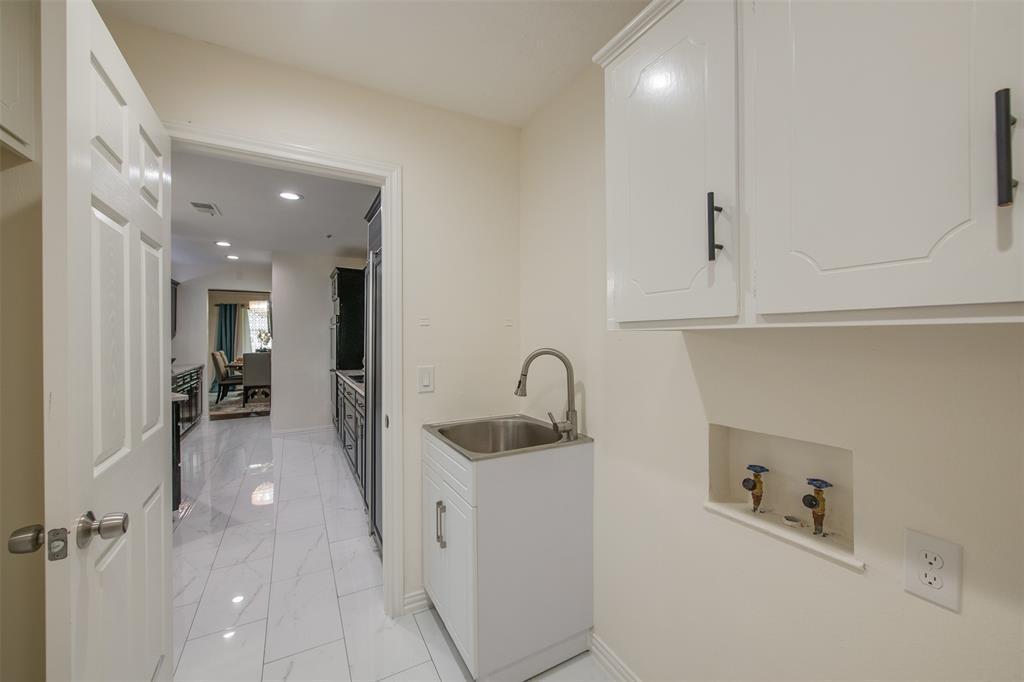 6339 Crestmont  Drive, Dallas, Texas 75214 - acquisto real estate best celina realtor logan lawrence best dressed realtor