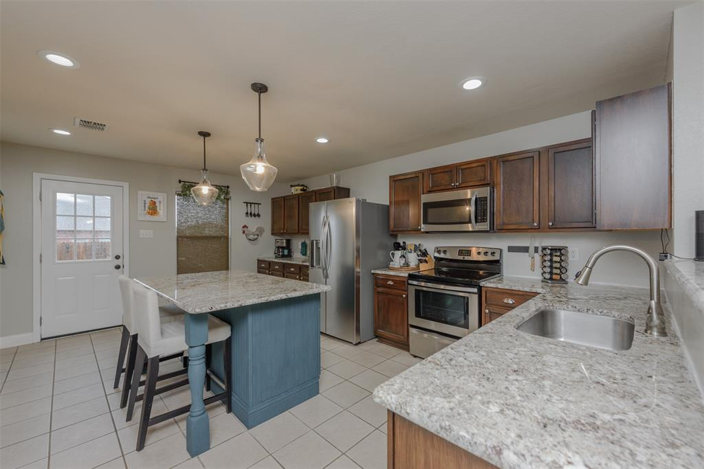 2921 Desert  Drive, Denton, Texas 76210 - acquisto real estate best style realtor kim miller best real estate reviews dfw