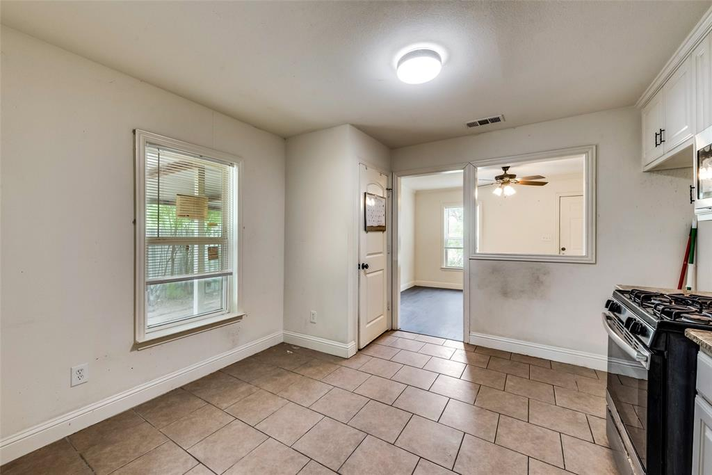 2522 High Crest  Avenue, Fort Worth, Texas 76111 - acquisto real estate best listing listing agent in texas shana acquisto rich person realtor