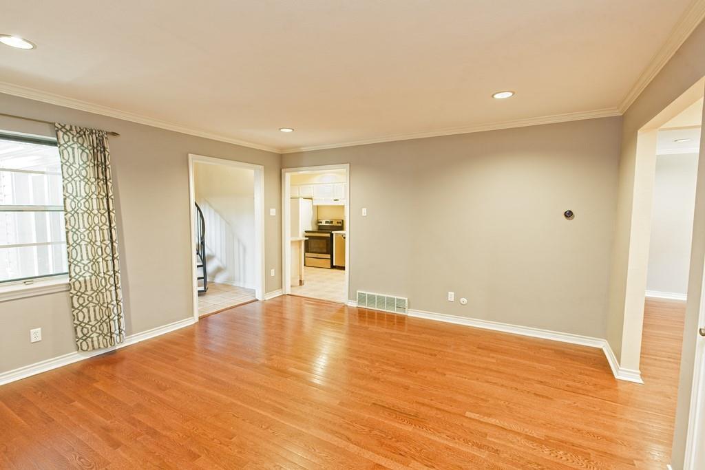 8635 Shagrock  Lane, Dallas, Texas 75238 - acquisto real estate best luxury buyers agent in texas shana acquisto inheritance realtor