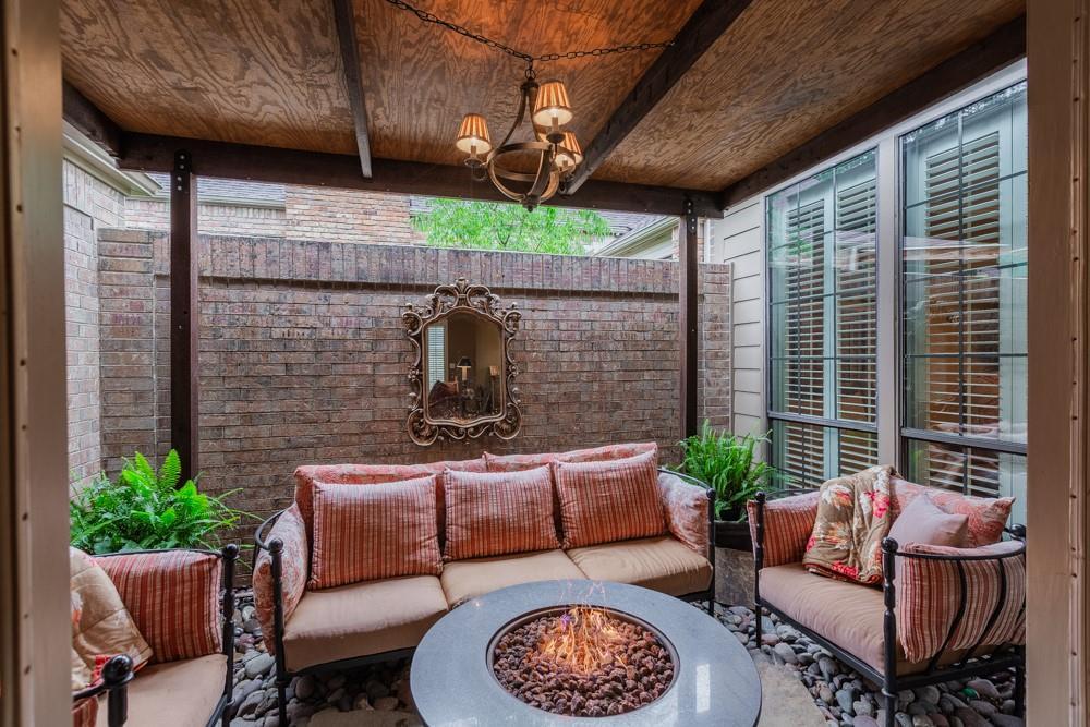 6917 Hillpark  Drive, Dallas, Texas 75230 - acquisto real estate best listing photos hannah ewing mckinney real estate expert