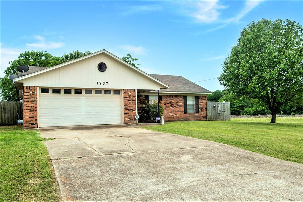 1737 Northwood  Boulevard, Corsicana, Texas 75110 - acquisto real estate best allen realtor kim miller hunters creek expert