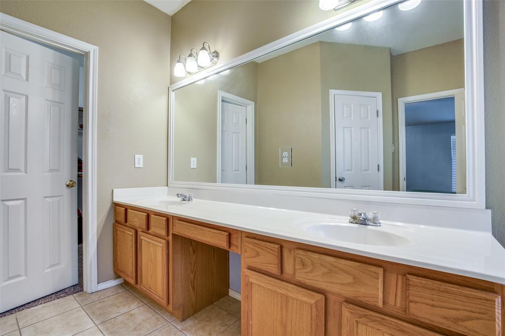 7932 Glenway  Drive, Dallas, Texas 75249 - acquisto real estate best prosper realtor susan cancemi windfarms realtor