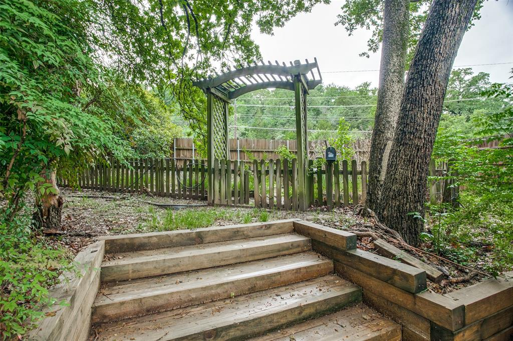 2403 Winding Hollow  Lane, Arlington, Texas 76006 - acquisto real estaet best boutique real estate firm in texas for high net worth sellers