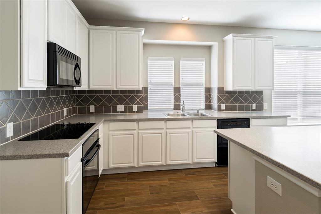 7561 Ravenhill  Drive, Frisco, Texas 75035 - acquisto real estate best celina realtor logan lawrence best dressed realtor